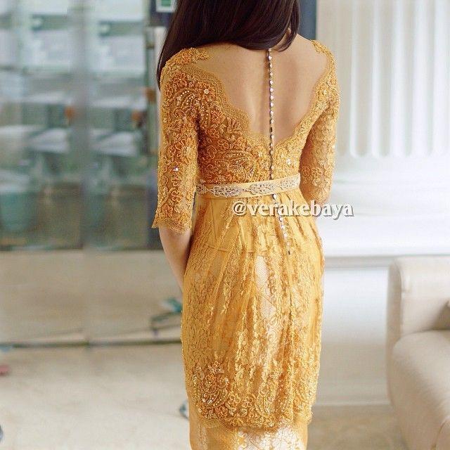 Fitting… #kebaya #partydress #lace #swarovski #beads #backdetails #verakebaya … (di Rumah Kebaya Vera Anggraini)
