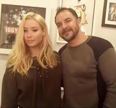 Iggy Azalea's plastic surgeon says she had small breasts and a weird nose before he worked on her - http://www.thelivefeeds.com/iggy-azaleas-plastic-surgeon-says-she-had-small-breasts-and-a-weird-nose-before-he-worked-on-her/