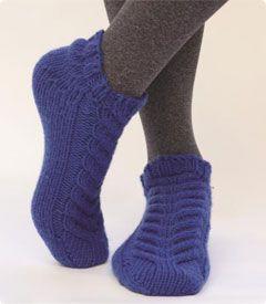 Simpliworsted Baronial Slipper Socks free pattern