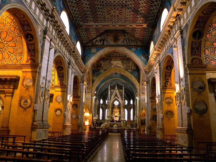 Interior de la iglesia de Santo Domingo, Quito, Ecuador