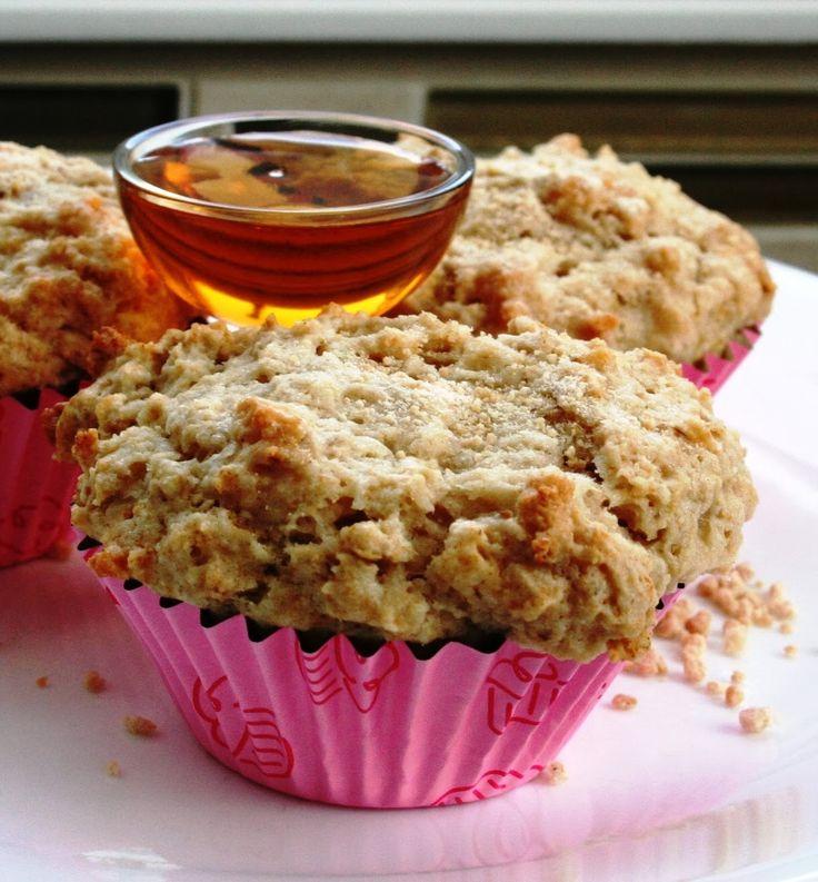 Vous aimez les biscuits feuilles d'érable ? Cette recette de muffins est pour vous. Tellement que j'avais le goût de les couper en deux e...