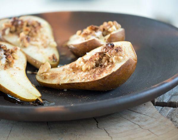 Bagte pærer med valnødder og honning - Opskrift