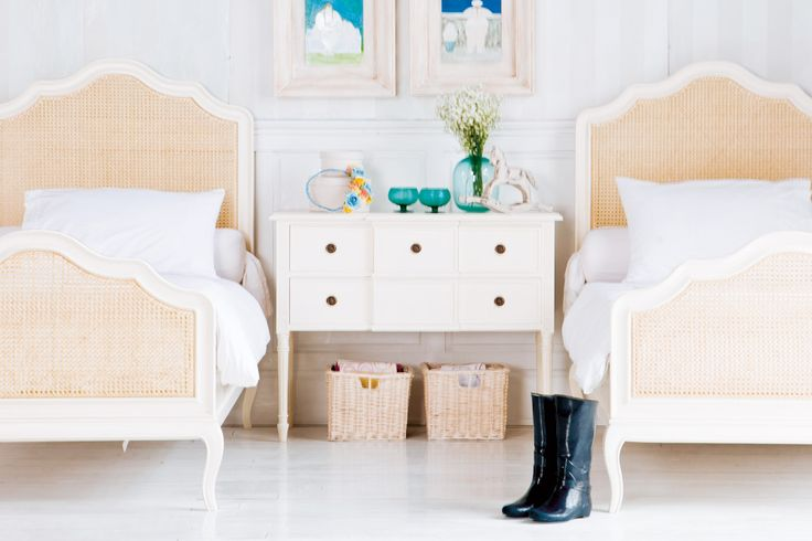 Provence Bed w/ Rush