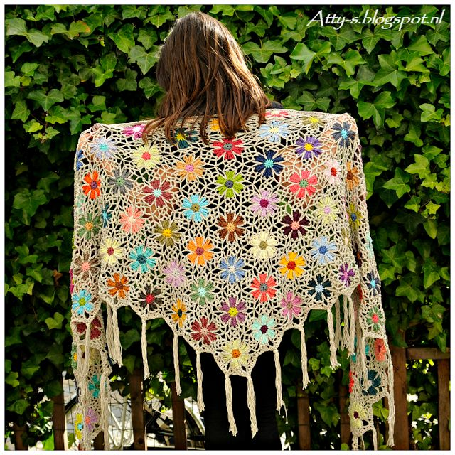 Atty's : Catona Crochet Flower Shawl https://www.facebook.com/AttysLoveForCrochet