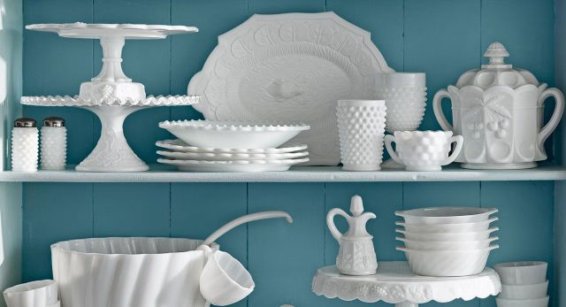 The Collector's Guide to Milk Glass