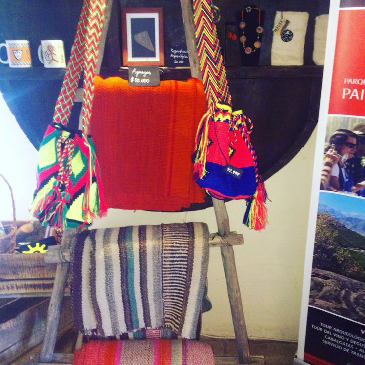 Mantas tejido Aymará y bolsos estilo wayuu