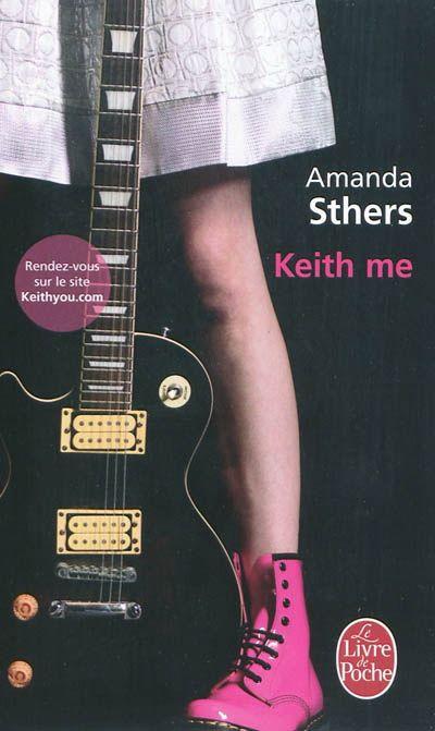 Andrea Stein est entrée dans la peau de Keith Richards, le musicien des Rolling Stones. Elle est l'amant de Mick Jagger, elle est ce guitariste de génie qui s'envoie les plus belles filles du monde, elle prend les mêmes drogues, suit le même diable et survit à tout. Mais elle est aussi une jeune fille que personne ne prend au sérieux, non reconnue comme artiste.