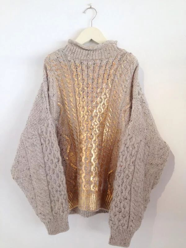 Yuki Fuji Sawa | Knitted sweater | Wool | Cable pattern | Gold metallic front detail | Shine