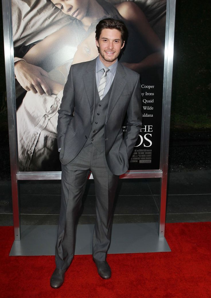 'THE WORDS' PREMIERE IN LOS ANGELES 196.jpg Click image to close this window