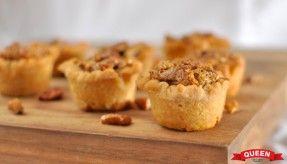 Mini maple pecan pie via www.queen.com.au