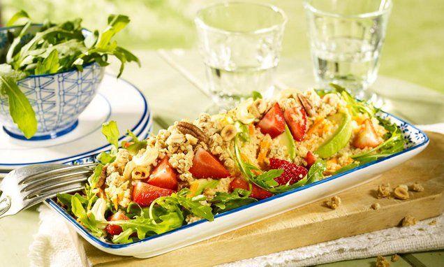 Couscous-Salat mit Knusper-Müsli Rezept | Dr. Oetker