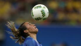 RS Notícias: Arena da Amazônia se despede com empate entre Bras...
