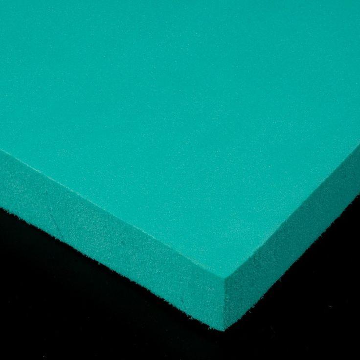 Polietileno reticulado. La espuma de polietileno reticulado se utiliza normalmente para proteger objetos y como revestimiento amortiguador en suelos y paredes de gimnasios. Aquí la encontrarás en 4 colores: rojo, amarillo, verde y azul.
