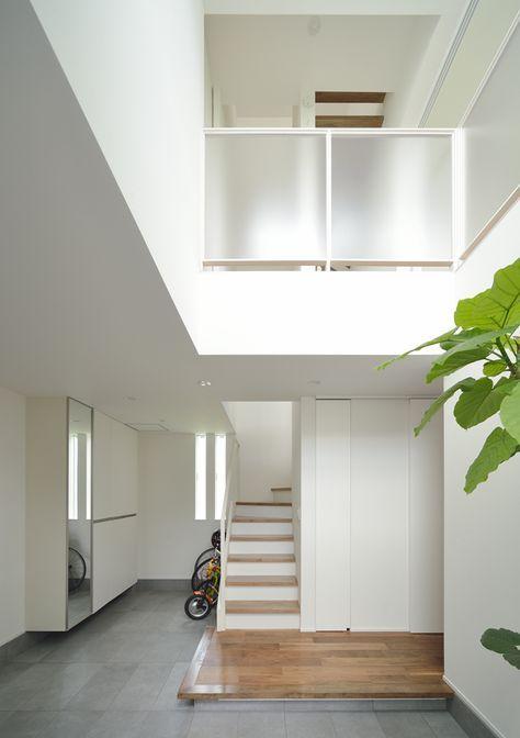 白を基調とした吹き抜けのある家・間取り(東京都世田谷区)   注文住宅なら建築設計事務所 フリーダムアーキテクツデザイン
