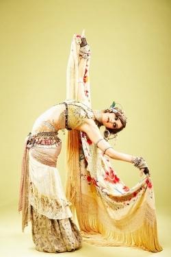 Bendy.  Rachel Brice.The Queens, Back Bend, Tribal Belly Dance, Tribal Dance, Bellydance, Tribal Fusion, Rachel Brice, Inspiration Quotes, Belly Dancers