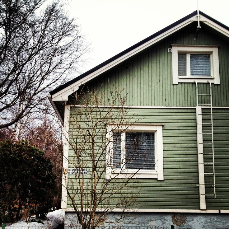 Casas de madera de color verde inspiraci n nordica - Casas de madera nordicas ...