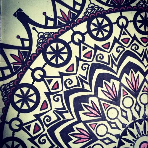 """MANDALA PIECE by celiline Draw something French artwork - Handmade zentangles, doodles, drawings, illustrations in my Moleskine."""