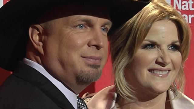 Behind the Scenes of The Voice: Babies, Bickering and Blake #et, #etonline, #new, #the #voice http://kansas-city.remmont.com/behind-the-scenes-of-the-voice-babies-bickering-and-blake-et-etonline-new-the-voice/  # Recent Videos Garth Brooks, Luke Bryan Among Highest Paid Country Stars — See Who Else Made the List! EXCLUSIVE: Meet the Characters of AMC's British Comedy 'Loaded' — Plus, Get a Premiere Sneak Peek! Nikki Bella Flaunts Her Toned Abs and Kisses John Cena on ESPYs Red Carpet…