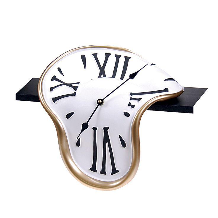 La persistencia de la memoria Inspired Shelf Clock