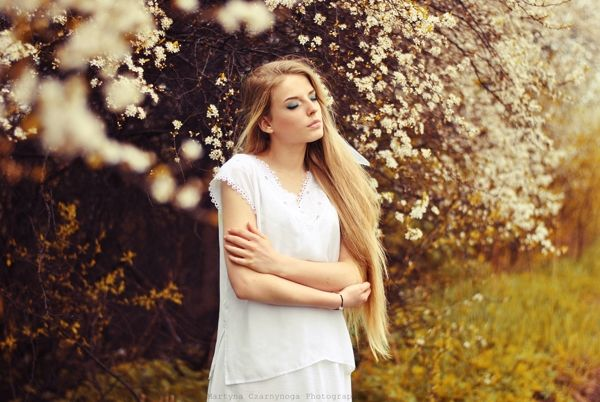 Zuzanna Kotas - photoshoot on Behance