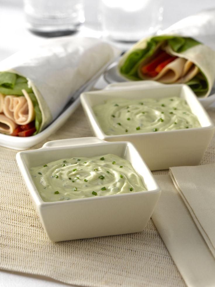 Salsa de yoghurt y palta al ciboulette