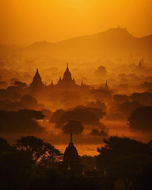 Shining time #myanmar#burma#bagan#oldbagan#southeastasia#asia#amazing#landscape #beautiful#instamyanmar#pagoda#temple#buddism#buddha#buildings#travelgram#sunshine#sunrise#travel#building#ミャンマー#バガン#朝日#nikond610#ig_captures by ok.lightlive. oldbagan #travel #バガン #burma #landscape #ig_captures #amazing #sunrise #travelgram #ミャンマー #southeastasia #myanmar #buddism #buddha #bagan #instamyanmar #buildings #nikond610 #sunshine #asia #building #beautiful #pagoda #朝日 #temple