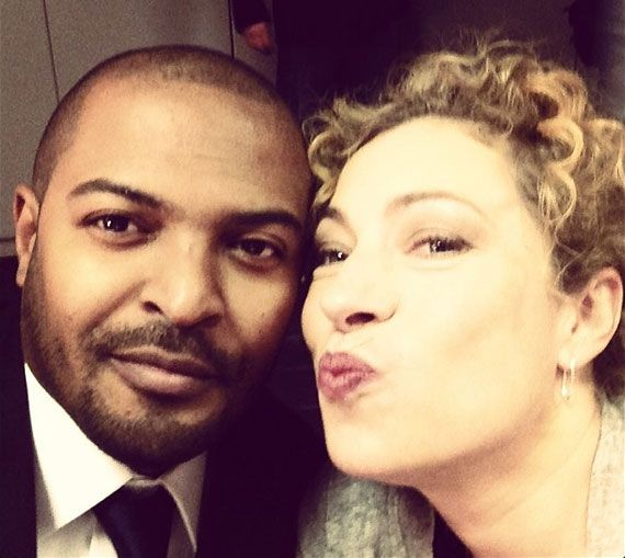 ALEX KINGSTON DOING THE DUCK FACE THIS JUST MADE THE DUCK FACE 1000000000000 TIMES COOLER