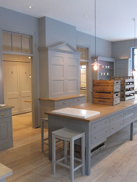 Plain English kitchen manufacturers - been to this showroom, have had one of their kitchens. they're fabulous. make an appointment with rosie!! Catherine