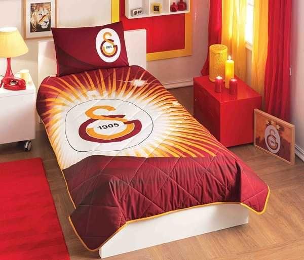 Taç Lisanslı Yatak Örtüsü GS YILDIZ LOGO