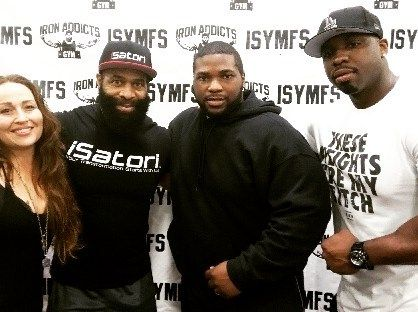That time when we met @c.t.ali.fletcher and big rob  Best. Damn. Day. Ever. #arnoldclassic is almost here again!! #girlswholift #girlswithmuscle #likeagirl #shecandoboth #workout #fitchicks #bodybuilding #weighttraining #fitness #squats #inspiration #motivation #muscle #training #gainz #athlete #gym #health #diet #cleaneating #exercise #bodybuilder #gymlife #weights #boutthatlife #trainhard #iron #protein