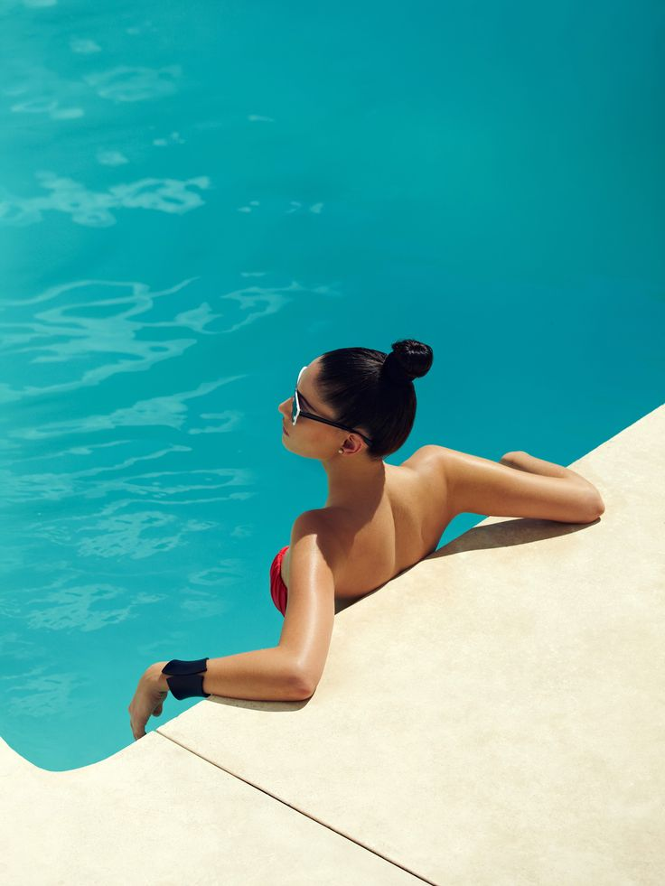 summer in swimming pool