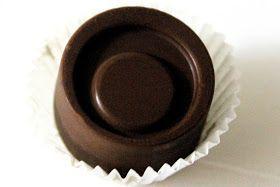 """Inspirisano italijanskim čokoladicama """"Baci"""" od Peruđine , ja ih obožavam, mada ih retko kupujem…sasvim slučajno sam naletela na ovaj re..."""