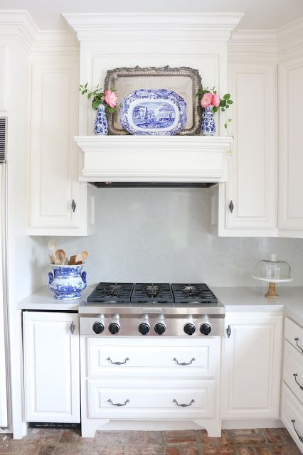Eleven Gables Home Spring Home Tour, Part 2 | Vent Hood Mantle | Hidden Ice Maker | Pots and Pans Drawers | Blue and White Kitchen