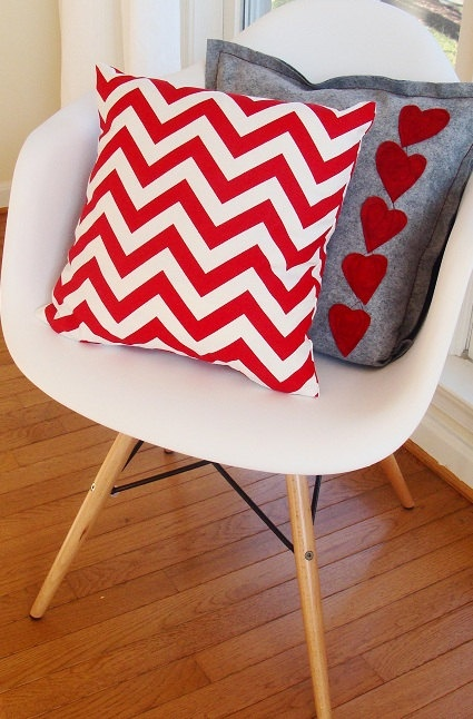 Love 'em - Valentine pillow with graphic red chevron