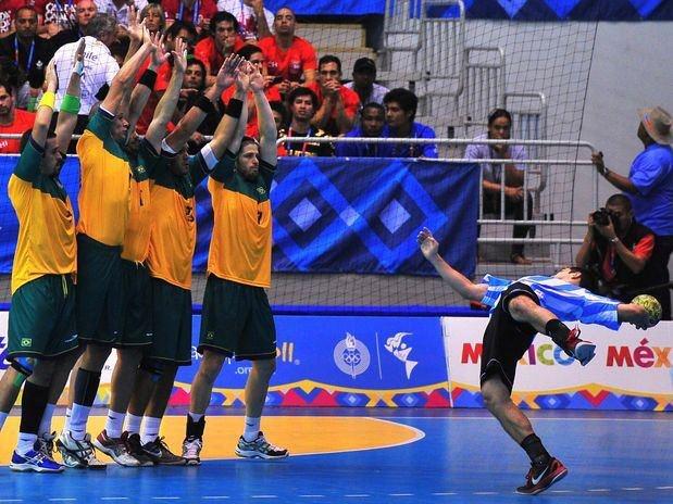 Rectificado de Fede Pizarro en la final del Panamericano 2011 vs Brasil.