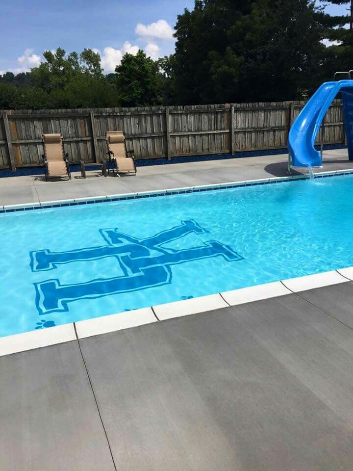 I Wonder When The Bbn Invitations Are Going Out Go Big Blue Outside Pool Big Blue Nation