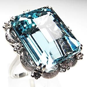 Vintage Cocktail ring, Aquamarine & diamond with solid 14k white gold.
