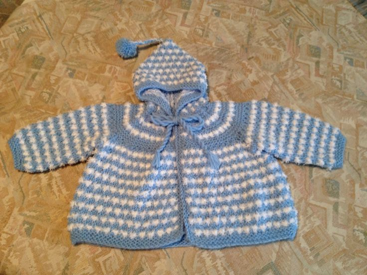 Blue & white hand knitted baby hooded jacket - Blauw & wit handgebreid babyjasje met capuchon