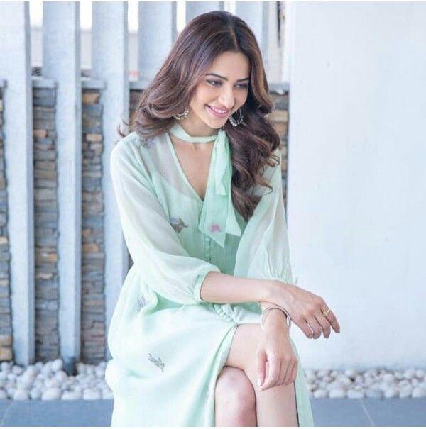 Pin by Anuhya Nedunuri on Actresses  07437659b