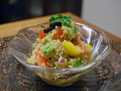栄養満点!キヌアとアボカドのプチプチサラダ
