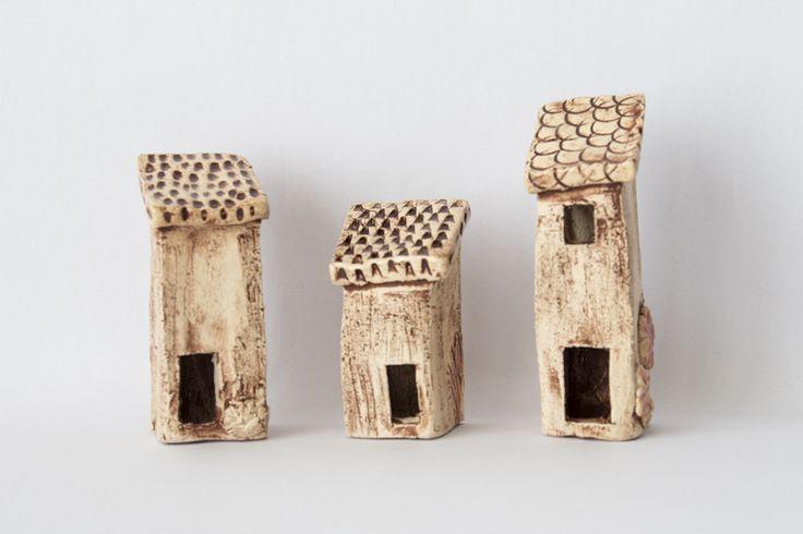 3 Petites maisons naïves en céramique , couleur marron, : Accessoires de maison par etoffe-et-bijoux