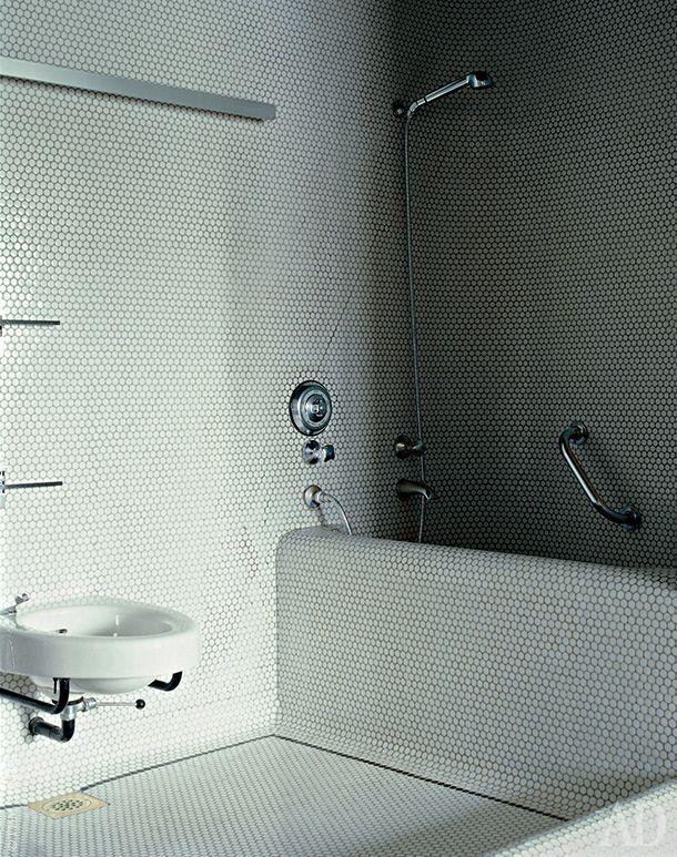 Ванная. Минималистский дизайн,белыйцвет.