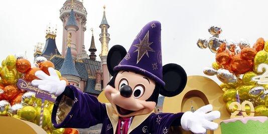 Le parc de Loisirs Disneyland Paris a attiré 16 millions de visiteurs, un record,  entre mi-2011 et mi-2012.   AFP/THOMAS SAMSON