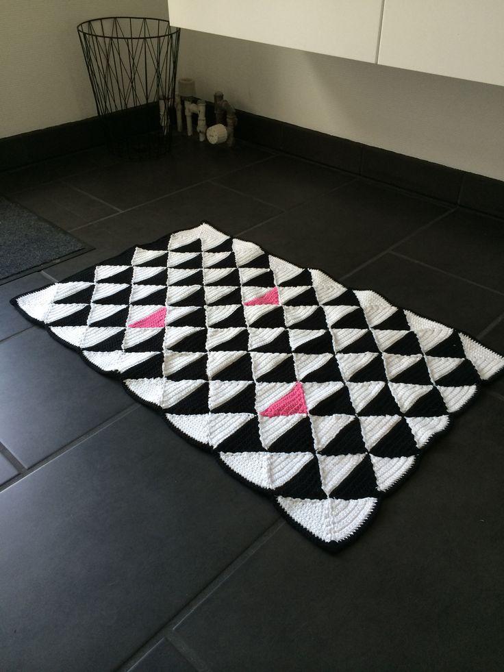 Tæppe hæklet af trekanter #crochet #hækling #carpet #triangles #DIY