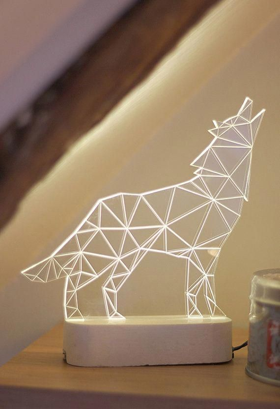 Moderne Heulender Wolf Wolf Lampe Nachtlicht Von Sturlesidesign Lamps Lamp Tattoo Geometric Lamp Wolf Decor