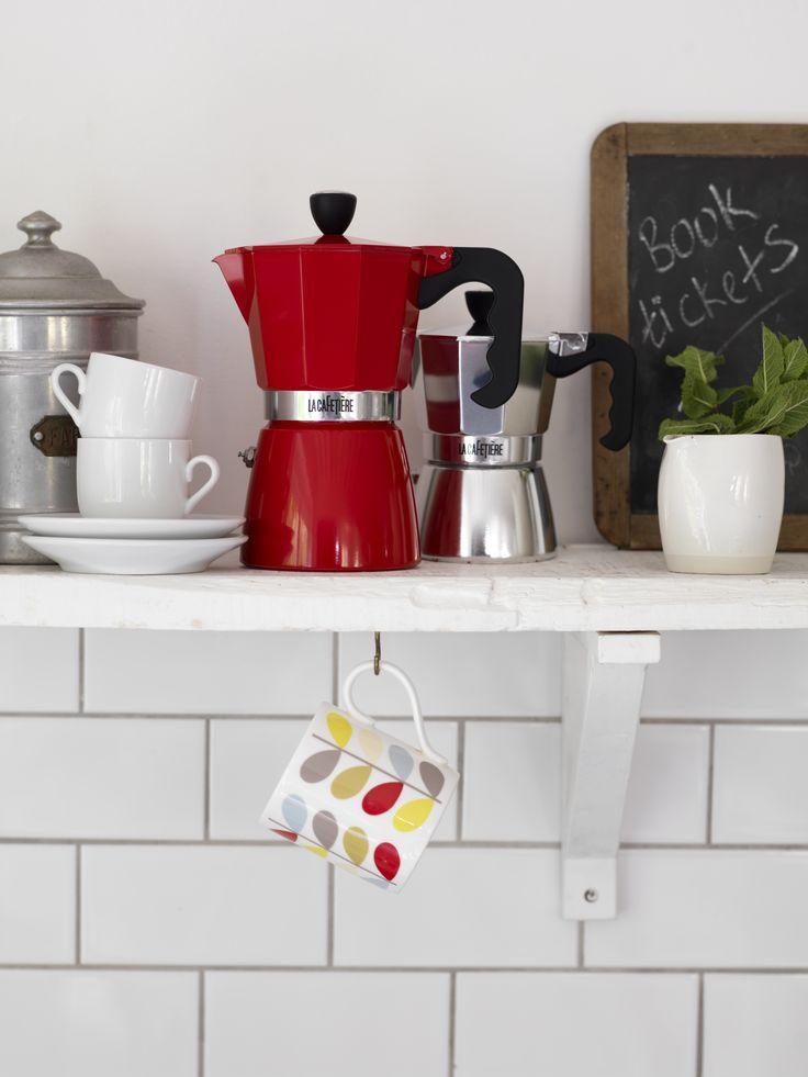 30 best la cafeti re images on pinterest coffee machines. Black Bedroom Furniture Sets. Home Design Ideas