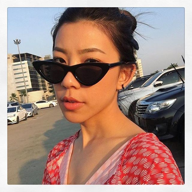 ec1b371214c Classic Style Cateye Sunglasses Small Retro Vintage Women Fashion ...