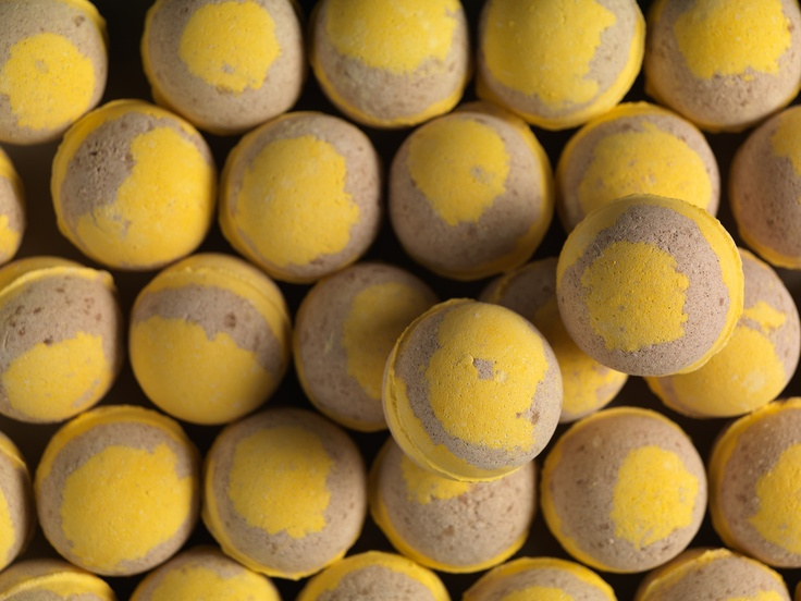 Honey Bee bath bomb... NZ $7.50 / AU $6.75