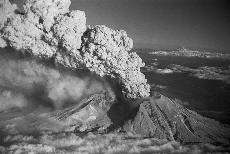 Earthquakes Beneath Mount St. Helens Indicate Magma Chamber Is Recharging |  The infamous 1980 eruption of Mount St. Helenswas as deadly as it was unusual. This fairly active stratovolcano, located in Washington state in the U.S. released at least100 million billion joules of energy as the magma chamber erupted sideways out of the mountain, killing 57 people in the process. This total energy release is comparable to the detonation of the largest nuclear warhead ever designed,the Tsar…
