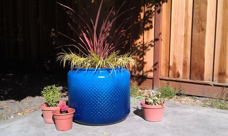 This planter is made from a re-purposed washing machine drum! By techshop_android via Instructables